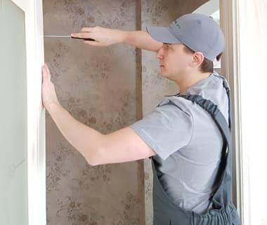 Ремонт дверного полотна